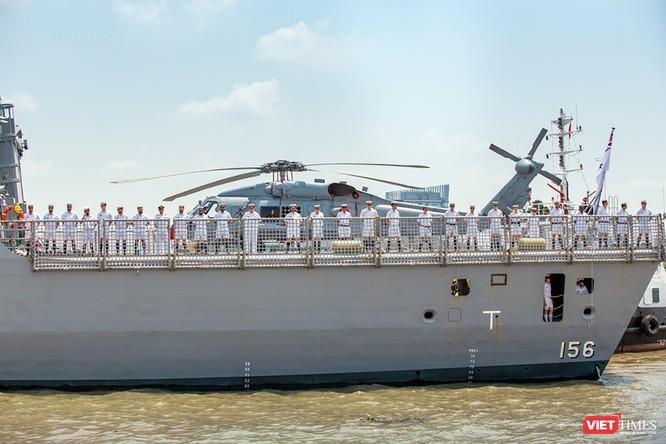 Đội tàu Hải quân Hoàng Gia Australia đến thăm TP.HCM ảnh 8