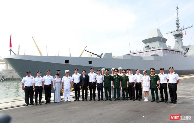 Tàu khu trục RSS INTREPID-Hải quân Singapore đã đến Đà Nẵng ảnh 6