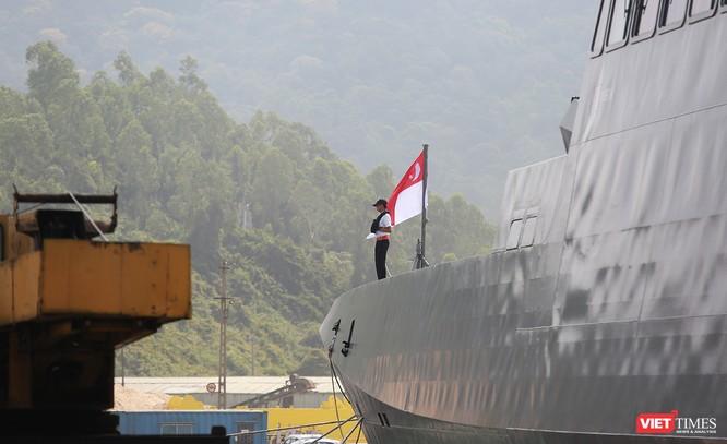 Tàu khu trục RSS INTREPID-Hải quân Singapore đã đến Đà Nẵng ảnh 10