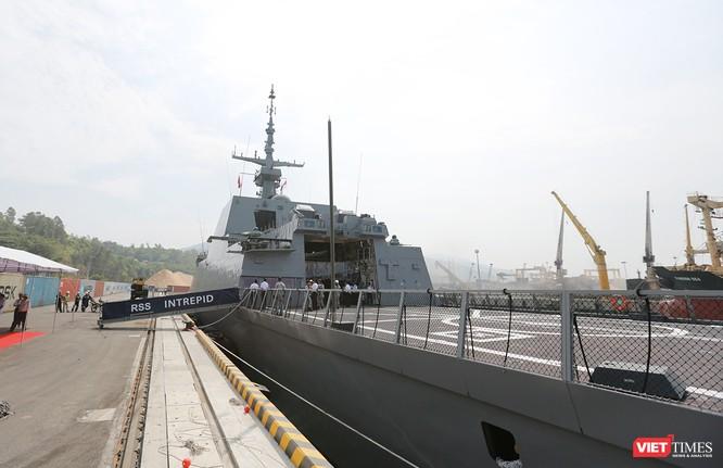 Tàu khu trục RSS INTREPID-Hải quân Singapore đã đến Đà Nẵng ảnh 8
