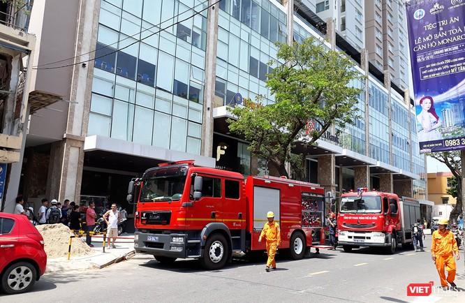 Đà Nẵng: Cháy ở chung cư Fhome, hàng trăm người hốt hoảng tháo chạy ảnh 2