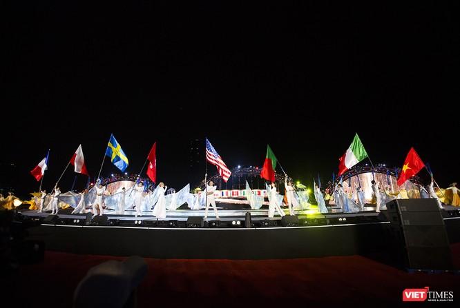 Khai hội pháo hoa Đà Nẵng: Mở lòng hòa cùng niềm vui chung cả nước ảnh 3