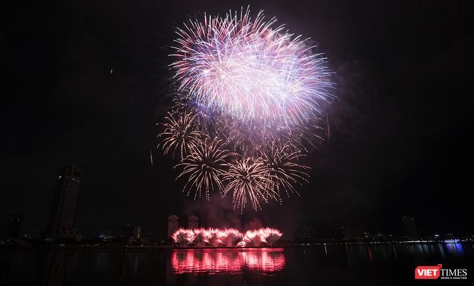Khai hội pháo hoa Đà Nẵng: Mở lòng hòa cùng niềm vui chung cả nước ảnh 11