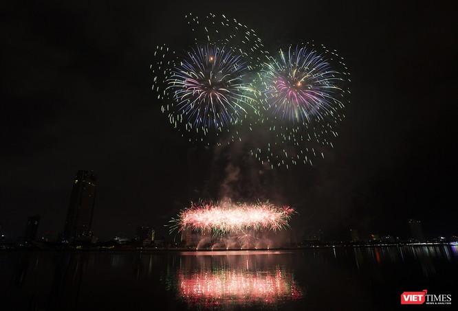 Khai hội pháo hoa Đà Nẵng: Mở lòng hòa cùng niềm vui chung cả nước ảnh 13