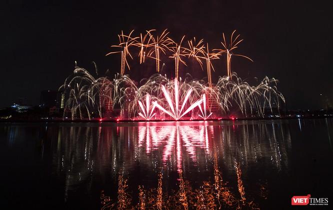 Khai hội pháo hoa Đà Nẵng: Mở lòng hòa cùng niềm vui chung cả nước ảnh 14