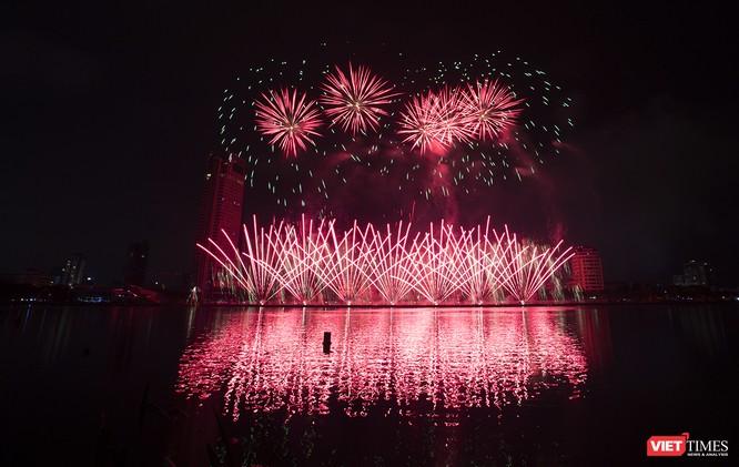 Khai hội pháo hoa Đà Nẵng: Mở lòng hòa cùng niềm vui chung cả nước ảnh 21