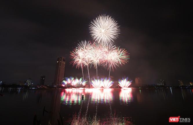 Khai hội pháo hoa Đà Nẵng: Mở lòng hòa cùng niềm vui chung cả nước ảnh 20