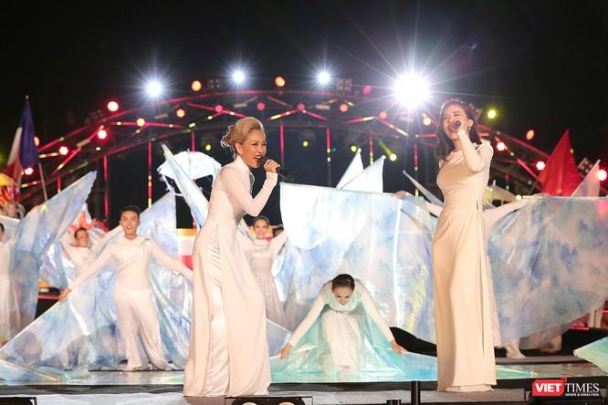 Khai hội pháo hoa Đà Nẵng: Mở lòng hòa cùng niềm vui chung cả nước ảnh 6
