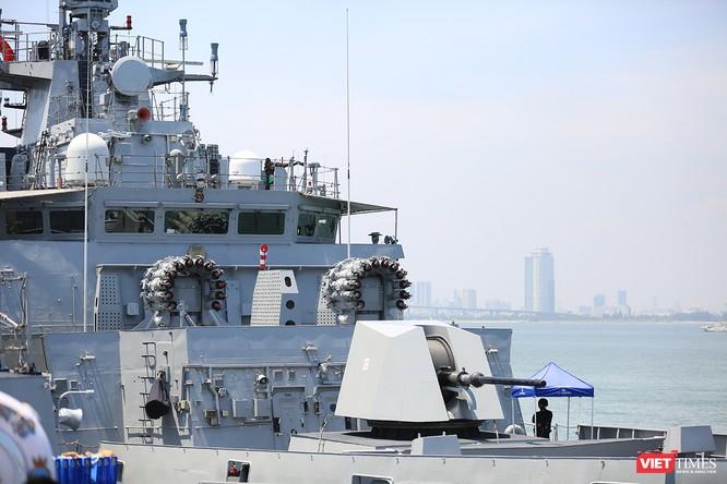 """Sức mạnh của tàu hộ vệ tên lửa INS Kamorta và """"siêu hậu cần"""" INS Shakti-Hải quân Ấn Độ ở Đà Nẵng ảnh 10"""