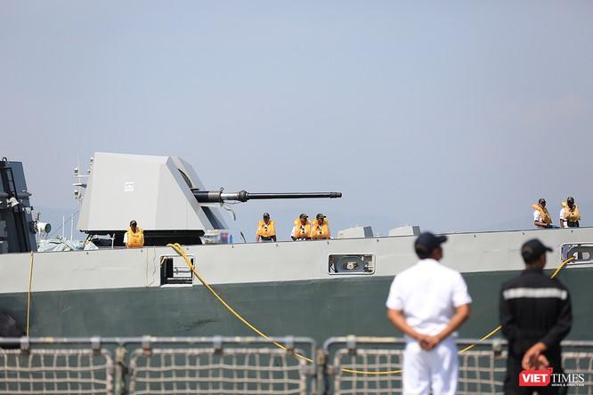 """Sức mạnh của tàu hộ vệ tên lửa INS Kamorta và """"siêu hậu cần"""" INS Shakti-Hải quân Ấn Độ ở Đà Nẵng ảnh 11"""