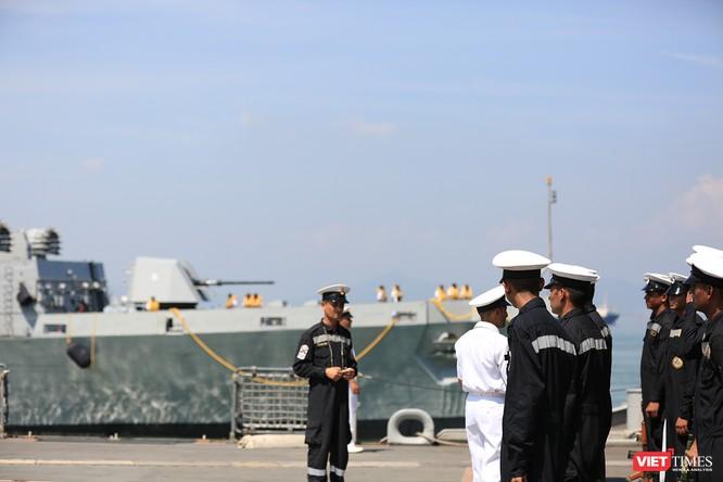 """Sức mạnh của tàu hộ vệ tên lửa INS Kamorta và """"siêu hậu cần"""" INS Shakti-Hải quân Ấn Độ ở Đà Nẵng ảnh 13"""