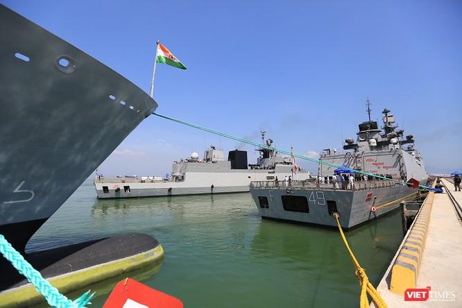 """Sức mạnh của tàu hộ vệ tên lửa INS Kamorta và """"siêu hậu cần"""" INS Shakti-Hải quân Ấn Độ ở Đà Nẵng ảnh 15"""