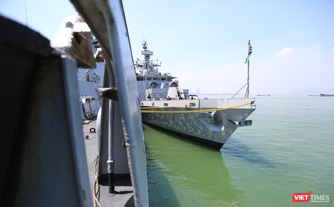 """Sức mạnh của tàu hộ vệ tên lửa INS Kamorta và """"siêu hậu cần"""" INS Shakti-Hải quân Ấn Độ ở Đà Nẵng ảnh 18"""
