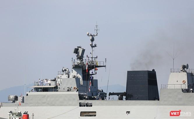 """Sức mạnh của tàu hộ vệ tên lửa INS Kamorta và """"siêu hậu cần"""" INS Shakti-Hải quân Ấn Độ ở Đà Nẵng ảnh 2"""