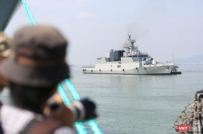 """Sức mạnh của tàu hộ vệ tên lửa INS Kamorta và """"siêu hậu cần"""" INS Shakti-Hải quân Ấn Độ ở Đà Nẵng ảnh 5"""