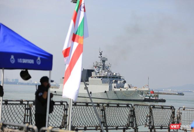 """Sức mạnh của tàu hộ vệ tên lửa INS Kamorta và """"siêu hậu cần"""" INS Shakti-Hải quân Ấn Độ ở Đà Nẵng ảnh 6"""