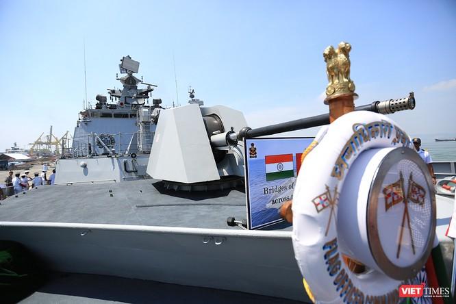 Cận cảnh chiến hạm INS Sahyadri (F-49) của Hải quân Ấn Độ tại Đà Nẵng ảnh 12