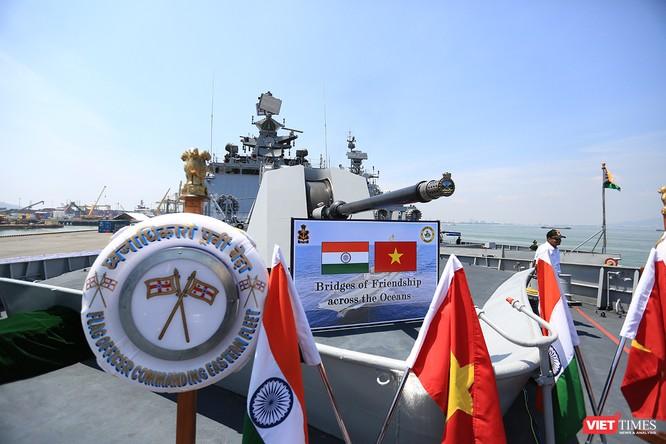 Cận cảnh chiến hạm INS Sahyadri (F-49) của Hải quân Ấn Độ tại Đà Nẵng ảnh 13