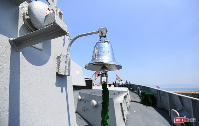 Cận cảnh chiến hạm INS Sahyadri (F-49) của Hải quân Ấn Độ tại Đà Nẵng ảnh 14