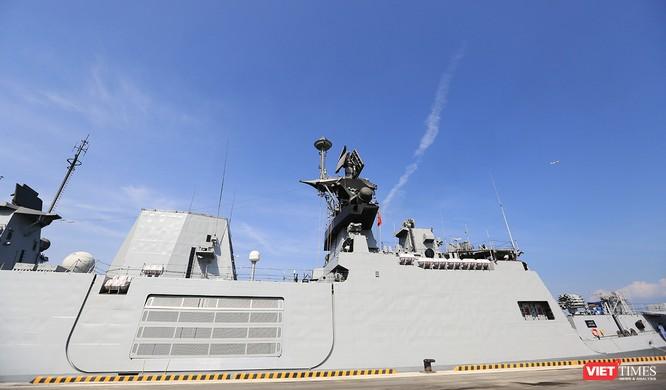 Cận cảnh chiến hạm INS Sahyadri (F-49) của Hải quân Ấn Độ tại Đà Nẵng ảnh 4