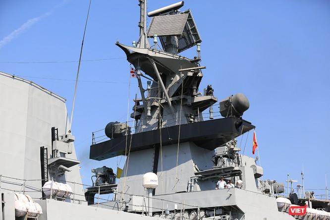 Cận cảnh chiến hạm INS Sahyadri (F-49) của Hải quân Ấn Độ tại Đà Nẵng ảnh 9