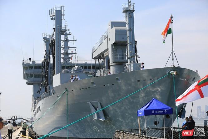 """Sức mạnh của tàu hộ vệ tên lửa INS Kamorta và """"siêu hậu cần"""" INS Shakti-Hải quân Ấn Độ ở Đà Nẵng ảnh 28"""