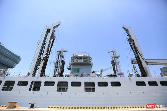 """Sức mạnh của tàu hộ vệ tên lửa INS Kamorta và """"siêu hậu cần"""" INS Shakti-Hải quân Ấn Độ ở Đà Nẵng ảnh 29"""