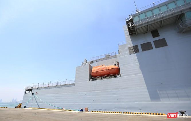 """Sức mạnh của tàu hộ vệ tên lửa INS Kamorta và """"siêu hậu cần"""" INS Shakti-Hải quân Ấn Độ ở Đà Nẵng ảnh 30"""