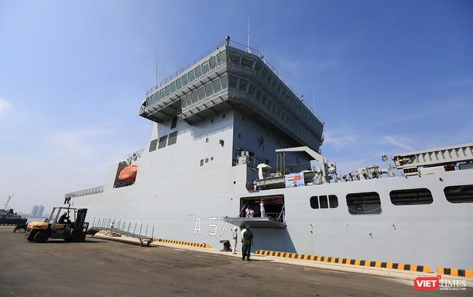 """Sức mạnh của tàu hộ vệ tên lửa INS Kamorta và """"siêu hậu cần"""" INS Shakti-Hải quân Ấn Độ ở Đà Nẵng ảnh 20"""