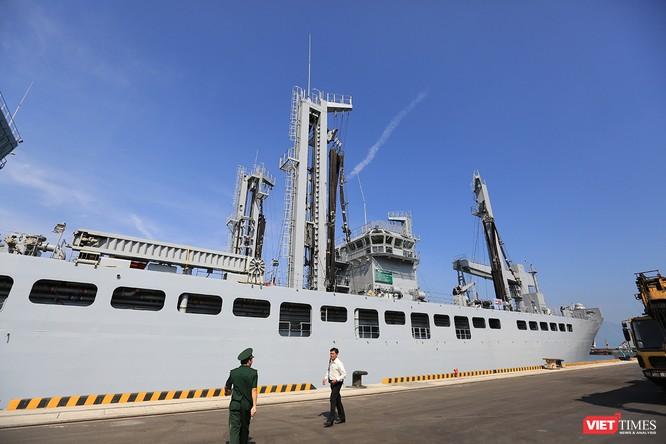 """Sức mạnh của tàu hộ vệ tên lửa INS Kamorta và """"siêu hậu cần"""" INS Shakti-Hải quân Ấn Độ ở Đà Nẵng ảnh 21"""