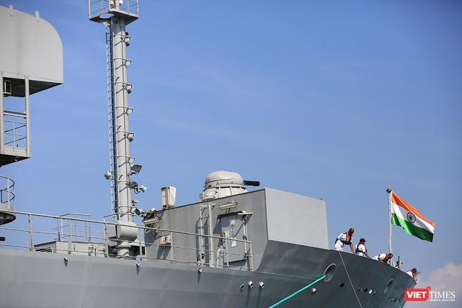 """Sức mạnh của tàu hộ vệ tên lửa INS Kamorta và """"siêu hậu cần"""" INS Shakti-Hải quân Ấn Độ ở Đà Nẵng ảnh 22"""