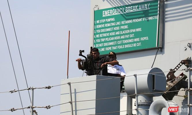 """Sức mạnh của tàu hộ vệ tên lửa INS Kamorta và """"siêu hậu cần"""" INS Shakti-Hải quân Ấn Độ ở Đà Nẵng ảnh 24"""