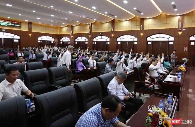 Những khoảnh khắc phiên bầu nhân sự chủ chốt của thành phố Đà Nẵng ảnh 16