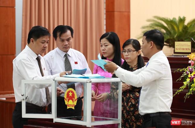 Những khoảnh khắc phiên bầu nhân sự chủ chốt của thành phố Đà Nẵng ảnh 21
