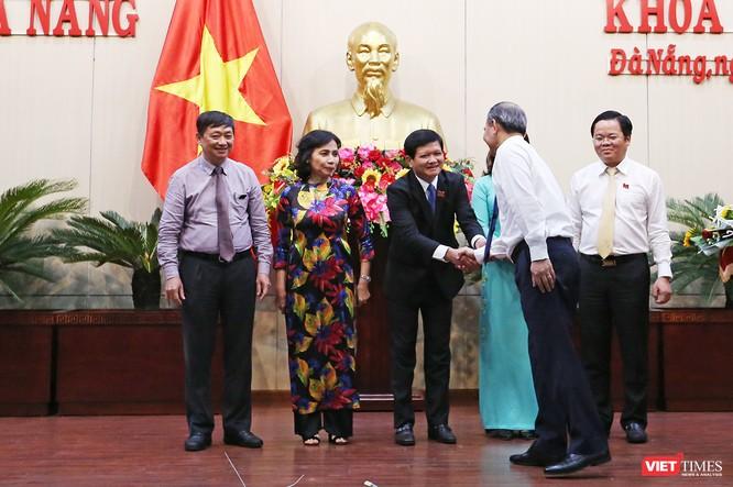 Những khoảnh khắc phiên bầu nhân sự chủ chốt của thành phố Đà Nẵng ảnh 31