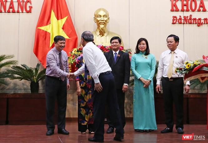 Những khoảnh khắc phiên bầu nhân sự chủ chốt của thành phố Đà Nẵng ảnh 32