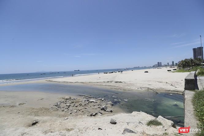 """Bãi biển Đà Nẵng """"ngộ độc"""" nước thải thế nào - Kỳ 1 ảnh 14"""