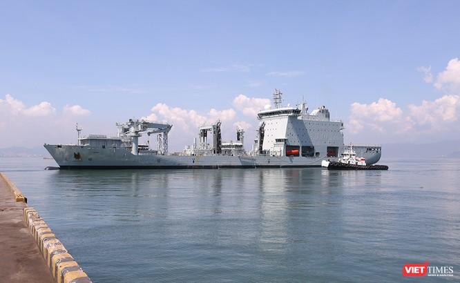 Đội tàu Hải quân Hoàng gia Canada Calgary rời Đà Nẵng ảnh 4