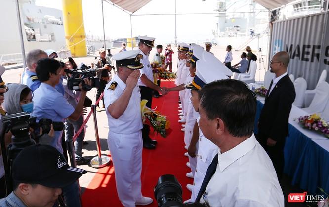 Đội tàu Hải quân Hoàng gia Canada Calgary rời Đà Nẵng ảnh 6
