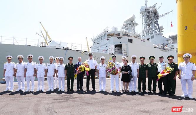 Đội tàu Hải quân Hoàng gia Canada Calgary rời Đà Nẵng ảnh 8
