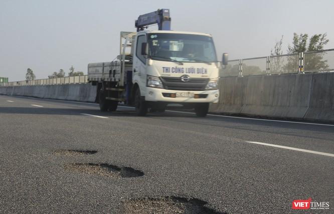 """Lộ diện nhà thầu đoạn cao tốc Đà Nẵng-Quảng Ngãi """"vừa chạy đã hỏng"""" ảnh 1"""