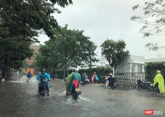 Mưa lớn kéo dài, Đà Nẵng ngập úng nghiêm trọng ảnh 3