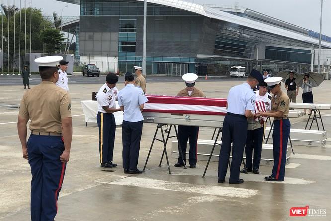 Việt Nam bàn giao thêm 3 bộ hài cốt quân nhân Mỹ ảnh 6