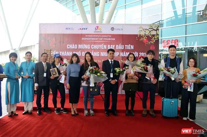 """Hơn 2.000 khách quốc tế """"xông đất"""" Đà Nẵng trong ngày đầu năm 2019 ảnh 2"""