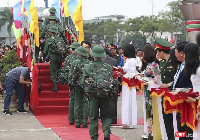 Chùm ảnh: Những khoảnh khắc xúc động trong Lễ giao nhận quân Đà Nẵng 2019 ảnh 22