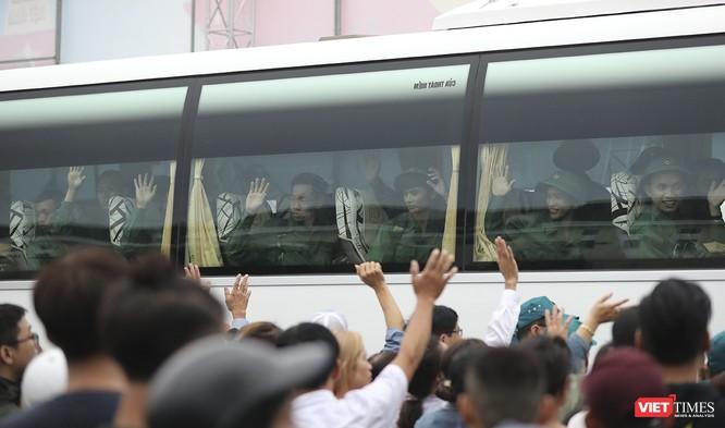 Chùm ảnh: Những khoảnh khắc xúc động trong Lễ giao nhận quân Đà Nẵng 2019 ảnh 25
