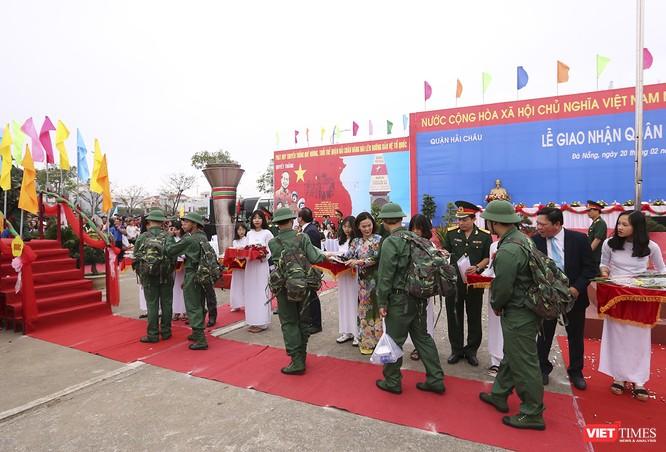 Chùm ảnh: Những khoảnh khắc xúc động trong Lễ giao nhận quân Đà Nẵng 2019 ảnh 7