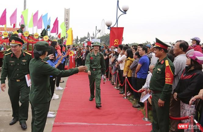 Chùm ảnh: Những khoảnh khắc xúc động trong Lễ giao nhận quân Đà Nẵng 2019 ảnh 1