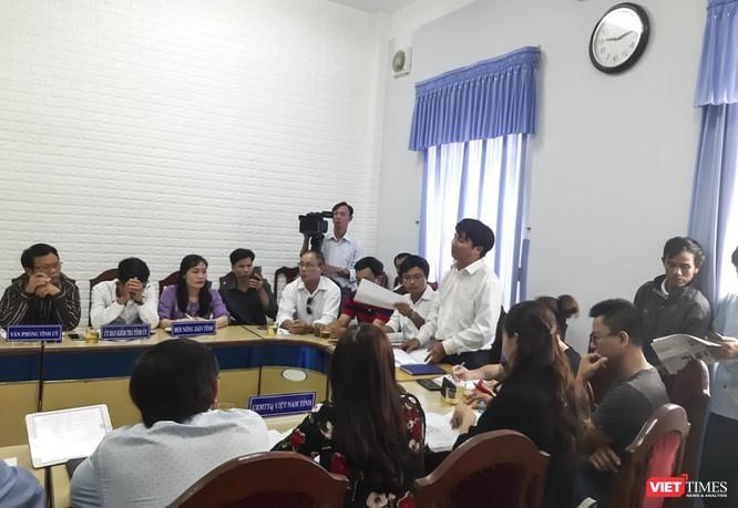 ông Nguyễn Quang Sơn, đại diện cho 1.000 khách hàng ký hợp đồng mua đất nền tại 3 dự án này đã trình bày nội dung vụ việc, đồng thời đề đạt nguyện vọng và mong muốn được chính quyền tỉnh Quảng Nam vào cuộc, bảo vệ quyền lợi của người mua.