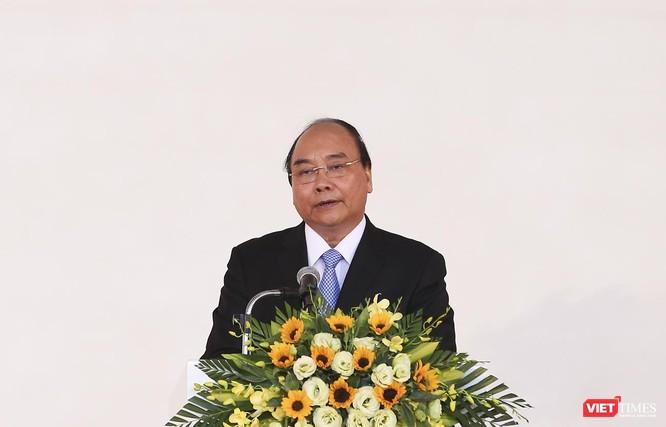Thủ tướng Chính phủ Nguyễn Xuân Phúc phát biểu tại sự kiện và đánh giá cao sự đầu tư của THACO tại Khu kinh tế mở Chu Lai (Quảng Nam)